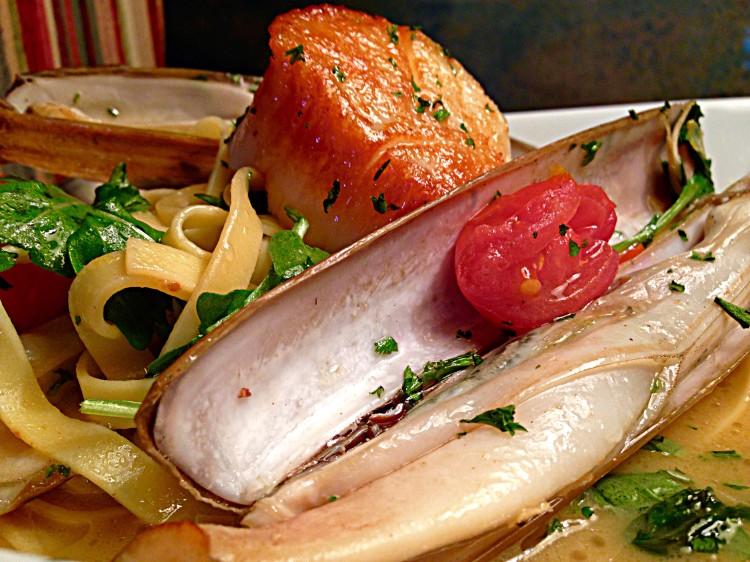 Scallop & Razor Clam Fettuccini